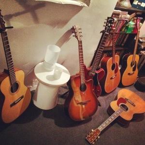 Acoustic guitar tracks, online session guitarist Jon Wright