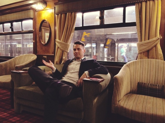 Live music on the Royal Scotsman, JavaDuo, Belmond trains, acoustic duo, acoustic guitar, sessions,